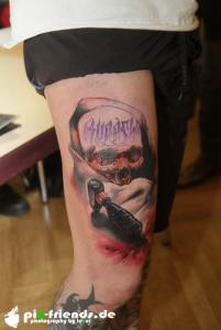 IMG 1119 tattooexpo-zwickau-2016-fotos-tattoomotiv-totenkopf-auf-oberschenkel